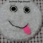 sıs-orgu-emojılı-banyo-paspası