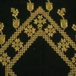 sari-simli-laleli-etamin-seccade-modeli-kopyala