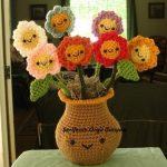 dekoratif-orgu-vazo-ve-cicekler-kopyala