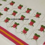 cicek-desenli-orgu-bebek-battaniyesi-modeli-kopyala
