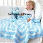 mavi-beyaz-altigen-seklinde-orgu-bebek-battaniyesi-modeli-kopyala