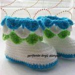 mavi-yesil-beyaz-orgu-bebek-patigi-kopyala