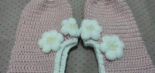 çiçekli tığ işi babet patik modeli