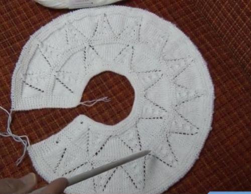 üçgen dilimli robalı bebek yelek modeli.png4