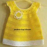 çiçek-süslemeli-sarı-renkli-örgü-kız-bebek-elbisesi (Kopyala)