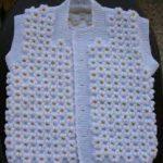 en şirin örgü bebek yelekleri (40)
