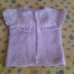 en şirin örgü bebek yelekleri (8)