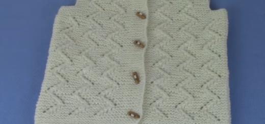 püsküllü zigzag bebek yeleği modeli.png2