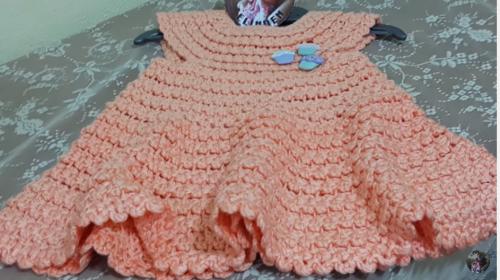 yakadan başlanan tığ işi bebek elbise modeli.png4