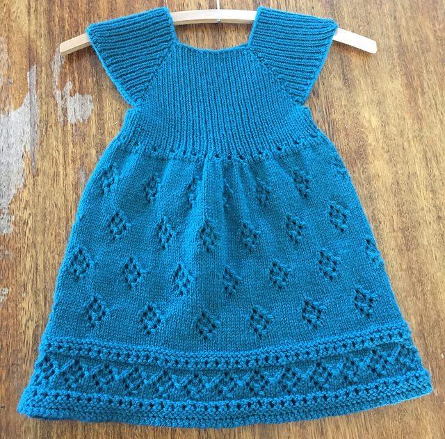 3fd67b9e6e5d2 örgü kız çocuk elbise modelleri (23) – Serifenin Örgü Dünyası