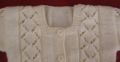 baklava dilimli bebek hırkası yapımı.png5