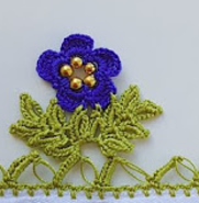 Yaprak arası incili çiçekler tığ oyası