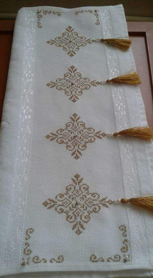 kanaviçe işlenmiş havlu örnekleri (45)
