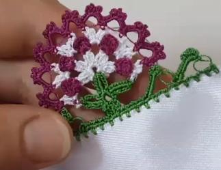 çiçekli namaz örtüsü veya havlu kenarı modeli.png2