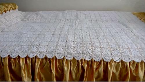 dantel yatak örtüsü modeli.png4