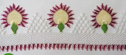 palmiyeler iğne oyası havlu modeli