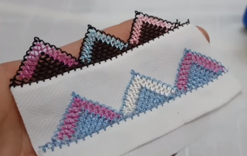 iki renkli dağ modeli iğne oyası