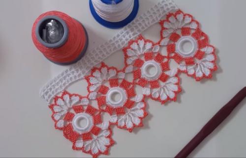 dilimli dantel havlu kenarı modeli