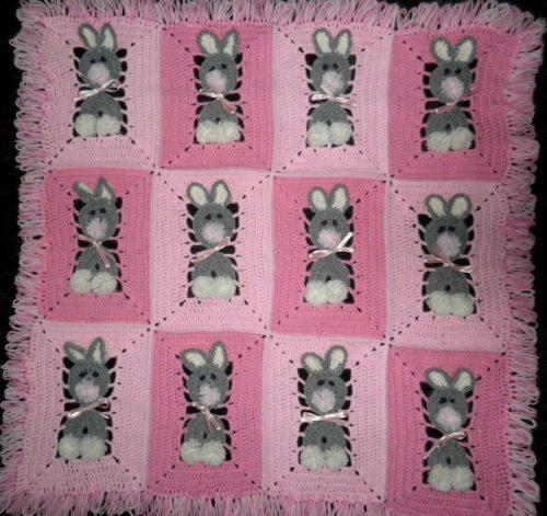 tığ işi tavşanlı bebek battaniyesi modeli (9)