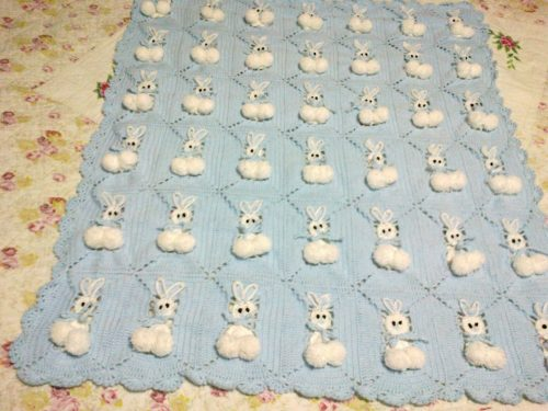 tığ işi tavşanlı bebek battaniyesi modeli (3)