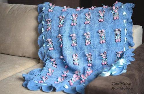 tığ işi tavşanlı bebek battaniyesi modeli (8)