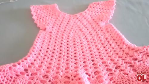 tığ işi fırfırlı kız bebek elbise yapımı