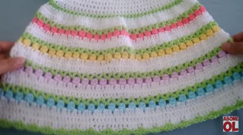 tığ işi laleli kız çocuk elbise yapımı.png3