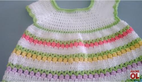 tığ işi laleli kız çocuk elbise yapımı.png4