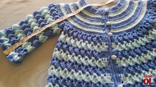 iki renkli tığ işi bebek ceketi yapımı